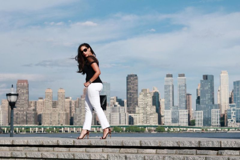Date Nights Styling White Jeans For Summer This